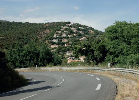 Urbanisation sur la corniche des Maures (Var)