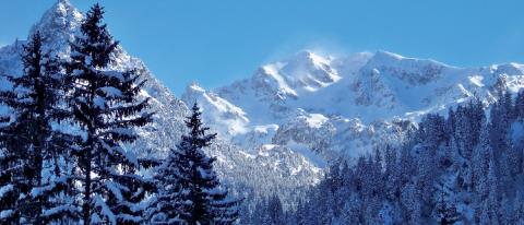 Le massif de Belledonne, un vaste espace sauvage ayant fait l'objet d'une réintroduction du bouquetin en 1983.
