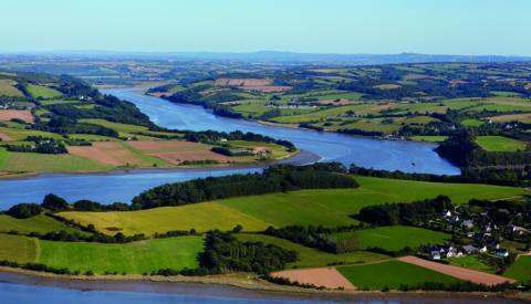 Entre les continuités écologiques vertes et bleues des paysages variés du PNR d'Armorique : celles insoupçonnées des sols.    © GPO